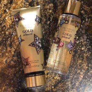New Victoria's Secret Gold Struck